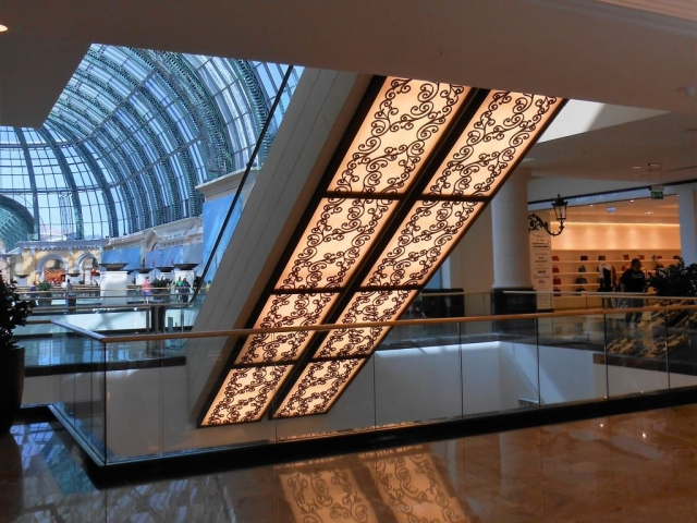 1Mall of the Emirates 9