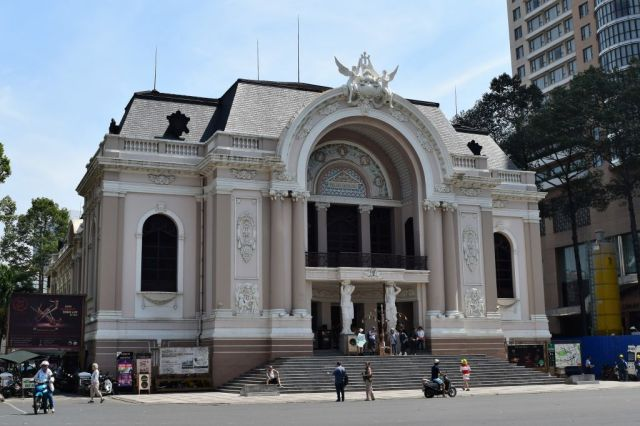 5Saigon Opera House 0
