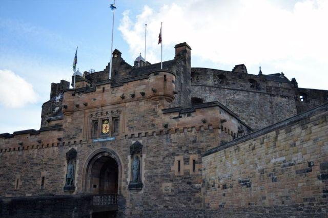 2Edinburgh Castle 15