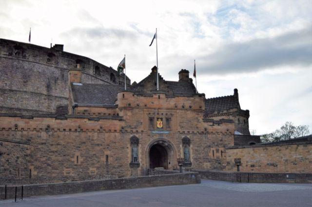 2Edinburgh Castle 5