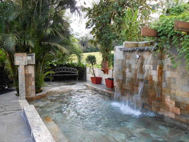 1Paradise Hot Springs 74