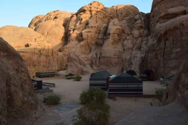 2Soluppgång, beduincamp 100